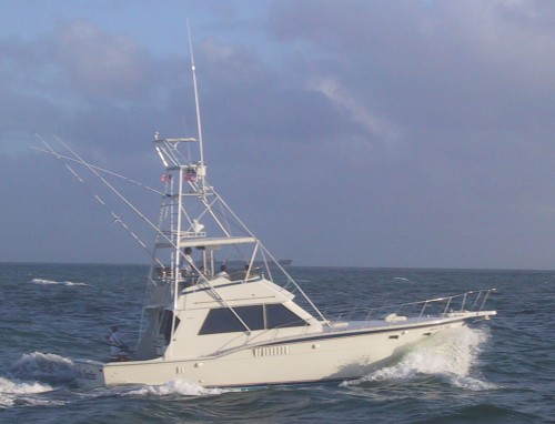 Top of the line, customized, and fully rigged 46′ Hatteras Sport-fisher with ...